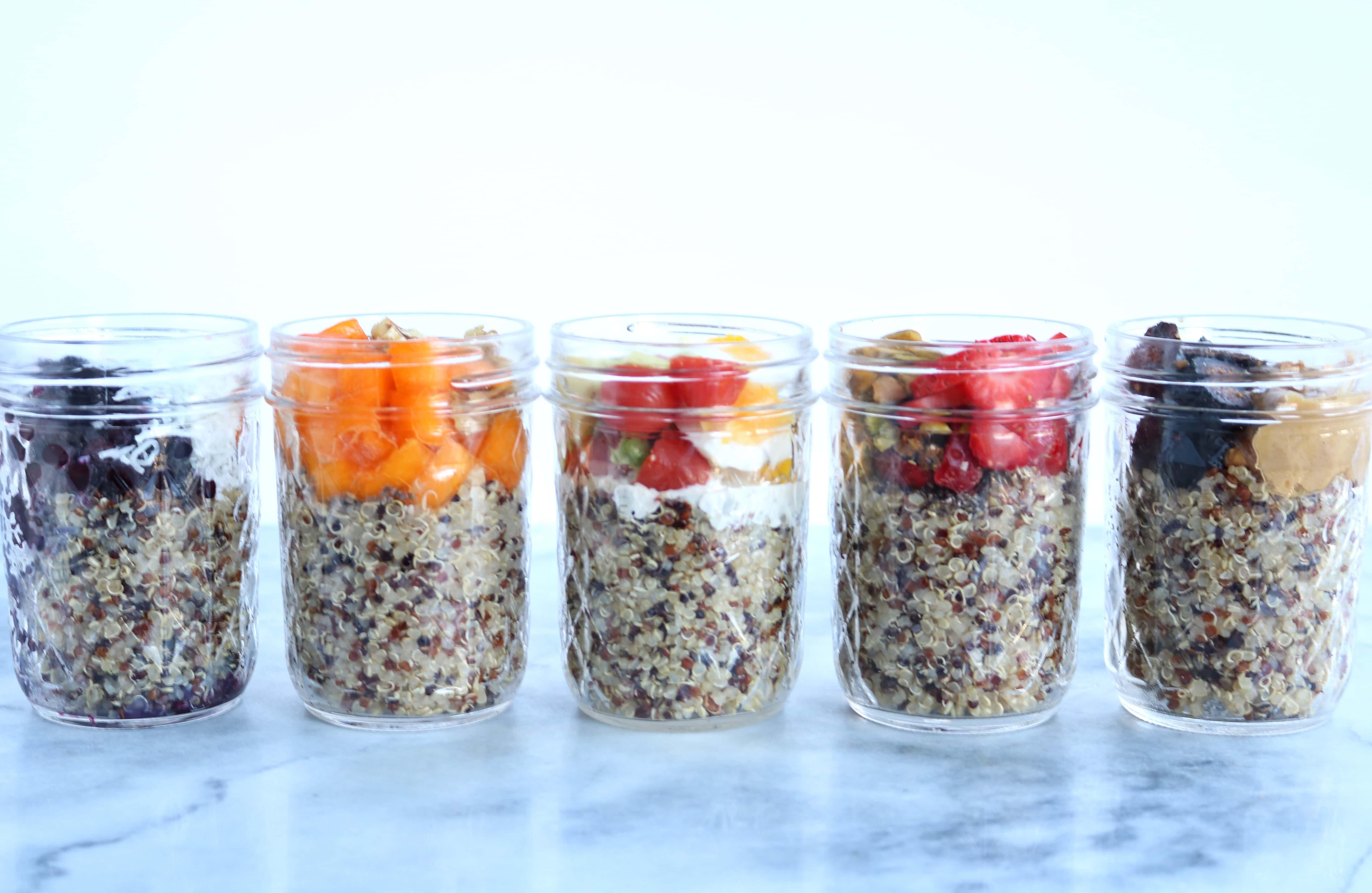 breakfast quinoa recipe in five mason jars